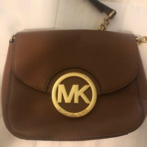Brown purse with gold hardware!